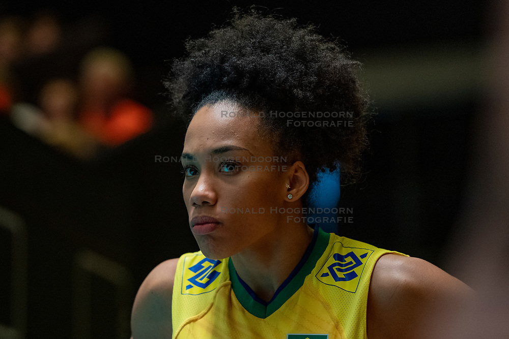 28-05-2019 NED: Volleyball Nations League Netherlands - Brazil, Apeldoorn<br /> <br /> Milka Marcília Medeiros Silva #25 of Brazil
