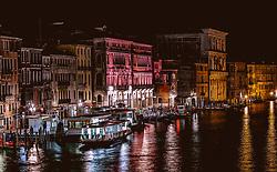 THEMENBILD - Häuserfront am Canal Grande in der Nacht, aufgenommen am 05. Oktober 2019 in Venedig, Italien // House front at the Canal Grande at night in Venice, Italy on 2019/10/05. EXPA Pictures © 2019, PhotoCredit: EXPA/ JFK