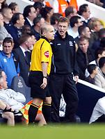Photo: Chris Ratcliffe.<br />Tottenham Hotspur v Everton. The Barclays Premiership.<br />15/10/2005.<br />David Moyes shows his frustration at the linesman