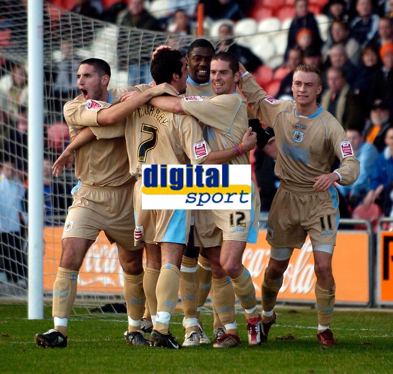 Photo: Jed Wee.<br />Blackpool FC v Bristol City. Coca Cola League 1. 21/01/2006.<br />Bristol celebrate their goal.