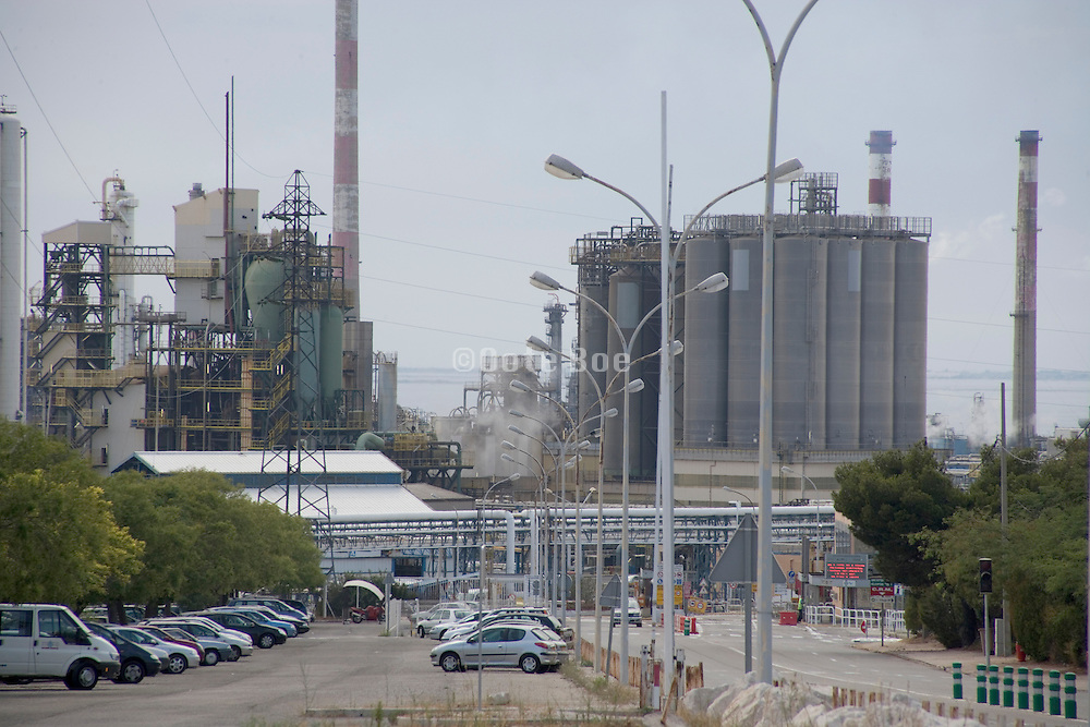 a oil refinery in France Provence