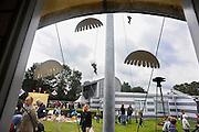 In het kader van de herdenking van operatie market garden, die 17 september 1944 begon, zijn in het nationaal bevrijdingsmuseum 1944-1945 in Groesbeek verschillende activiteiten, zoals een kinder vrijmarkt, georganiseerd. In Groesbeek landden parachutisten die nijmegen en de Waalbrug moesten bevrijden, veroveren. Dat lukte, maar bij Arnhem faalde de operatie, waardoor Nijmegen en omgeving maandenlang frontlinie was.Foto: Flip Franssen/Hollandse Hoogte