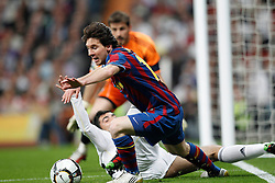 10-04-2010 VOETBAL: REAL MADRID - BARCELONA: MADRID<br /> Lionel Messi en and ALbiol<br /> ©2010- FRH nph / ALFAQUI