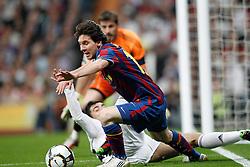10-04-2010 VOETBAL: REAL MADRID - BARCELONA: MADRID<br /> Lionel Messi en and ALbiol<br /> ©2010- FRH nph / ALFAQUI