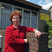 Kringloopwinkel Bakboord Huizen bestaat 20 jaar  Mw Elly Kos