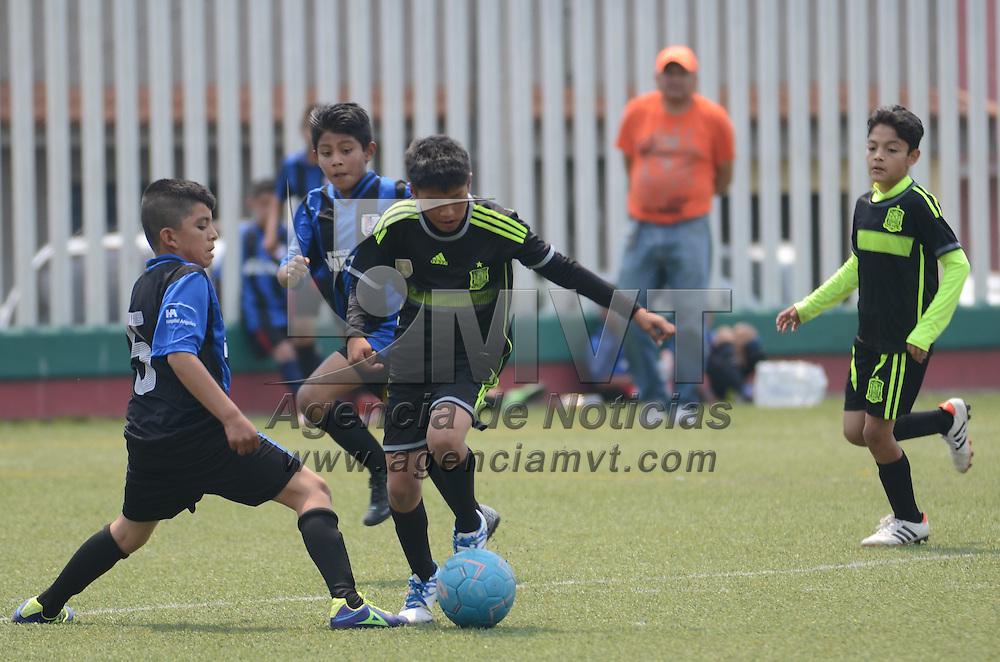 Toluca, México.- Aspectos del torneo Estatal de Futbol 7 en la ciudad de Toluca, competencia que se realiza por primera vez en la localidad, en las categorías Infantil y Juvenil en ambas ramas. Agencia MVT / Arturo Hernández.