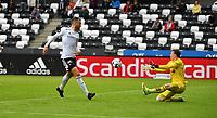 Fotball Menn Eliteserien Rosenborg-Kristiansund<br /> Lerkendal Stadion,Trondheim<br /> 10 juli 2021<br /> <br /> Her burde Rosenborgs Dino Islamovic scoret, men Kristiansunds keeper Sean Mcdermott redder<br /> <br /> <br /> <br /> <br /> Foto : Arve Johnsen, Digitalsport