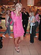 Paris Hilton. Mary J. Blige launch aids fundraising lipstick from Mac.  Criterion. 22 April 2002. © Copyright Photograph by Dafydd Jones 66 Stockwell Park Rd. London SW9 0DA Tel 020 7733 0108 www.dafjones.com