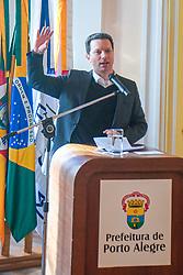 Porto Alegre, RS 05/07/2019: Na presença do prefeito, Nelson Marchezan Júnior, a Prefeitura de Porto Alegre, com a Secretaria de Desenvolvimento Social e Esporte (SMDSE) e a Fundação de Assistência Social e Cidadania (Fasc), assinaram o termo de colaboração com a Associação Beneficente Projeto Restaurar para a instalação de duas novas unidades de albergues. O ato foi realizado nesta sexta-feira (5), no Salão Nobre do Paço Municipal. Foto: Jefferson Bernardes/PMPA