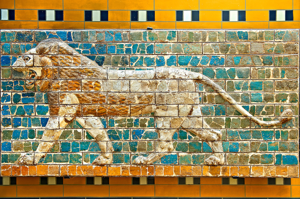 Lion relief on glazed bricks from the Ishtar Gate, Babylon, Iraq constructed in about 575BC by order of King Nebuchadnezzar II on the north side of the city. Dedicated to the Babylonian goddess Ishtar, the monumental gate joined the inner & outer walls of Babylon it was one of the Seven Wonders of the ancient world. Istanbul Archaeological Museum. .<br /> <br /> If you prefer to buy from our ALAMY PHOTO LIBRARY  Collection visit : https://www.alamy.com/portfolio/paul-williams-funkystock/babylon-antiquities.html  Type -    Istanbul    - into the LOWER SEARCH WITHIN GALLERY box to refine search by adding background colour, place, museum etc<br /> <br /> Visit our ANCIENT WORLD PHOTO COLLECTIONS for more photos to download or buy as wall art prints https://funkystock.photoshelter.com/gallery-collection/Ancient-World-Art-Antiquities-Historic-Sites-Pictures-Images-of/C00006u26yqSkDOM