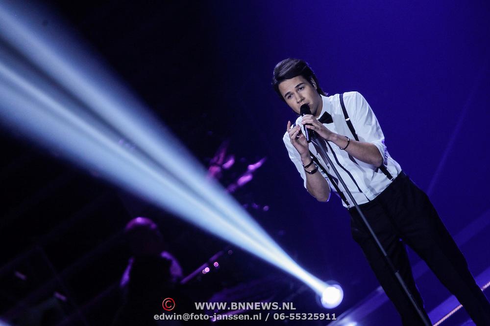 NLD/Hilversum/20121109 - The Voice of Holland 1e liveuitzending, Denzel Dongen