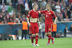 19.05.2012, Allianz Arena, Muenchen, GER, UEFA CL, Finale, FC Bayern Muenchen (GER) vs FC Chelsea (ENG), im Bild Bastian SCHWEINSTEIGER (Bayern Muenchen) sauer, rechts Anatolly TYMOSHCHUK (Bayern Muenchen) // during the Final Match of the UEFA Championsleague between FC Bayern Munich (GER) vs Chelsea FC (ENG) at the Allianz Arena, Munich, Germany on 2012/05/19. EXPA Pictures © 2012, PhotoCredit: EXPA/ Eibner/ Eckhard Eibner..***** ATTENTION - OUT OF GER *****