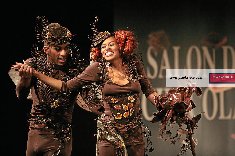 Mia Frye - (mention obligatoire :) Salon du Chocolat - Maquillage / Coiffure Lucie Saint-Clair - Paris, le 18/10/2007 - JSB / PixPlanete