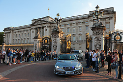 © Licensed to London News Pictures. 22/05/2019. London, UK. Prime Minister Theresa May's car leaves Buckingham Palace after her scheduled meeting with the Queen. The Prime Minister has come under intense pressure from ministers to cancel the vote on the revised Withdrawal Agreement Bill. Photo credit: Rob Pinney/LNP