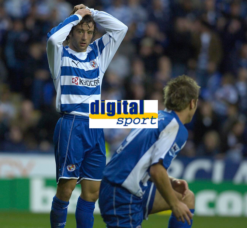 Photo: Daniel Hambury.<br />Reading v Arsenal. The Barclays Premiership. 22/10/2006.<br />Reading's Stephan Hunt cant belive he has missed one of very few chances that fell to Reading.
