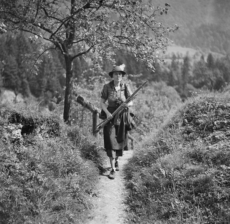 Lady Birkett with Gun, Bodengraben, Austria, 1937