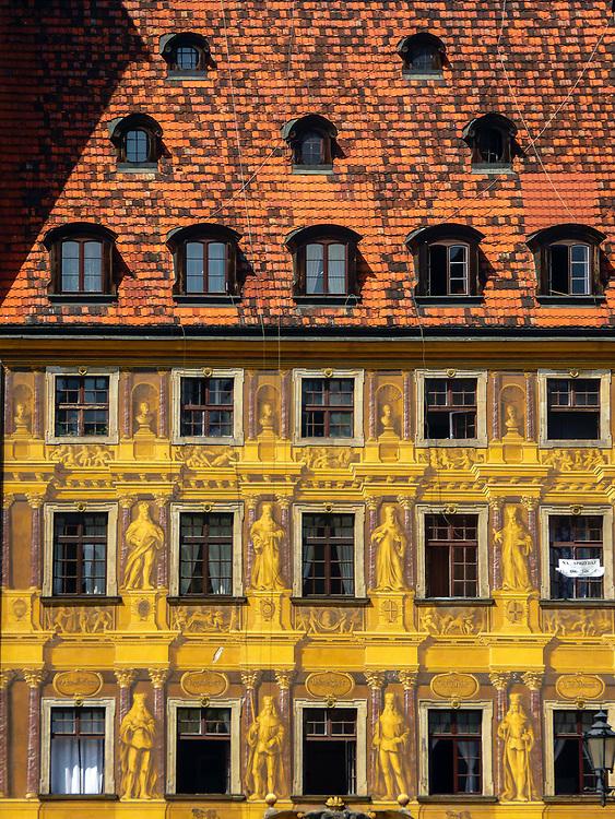 Fasada kamienicy przy rynku we Wrocławiu, Polska<br /> Facade of tenement in market place in Wrocław, Poland