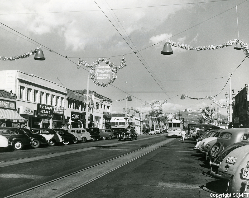 1948 Looking north on Larchmont Blvd. towards Beverly Blvd at Christmas