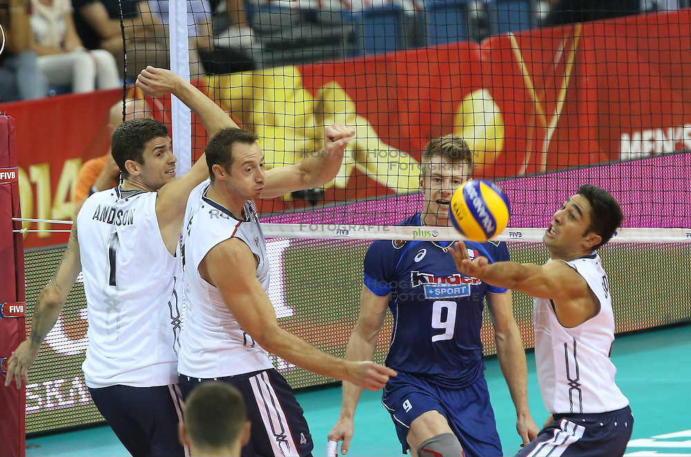 07.09.2014, Krakow Arena, Krakau, POL, FIVB WM, Italien vs USA, Gruppe D, im Bild MATTHEW ANDERSON, DAVID LEE, IVAN ZAYTSEV, KAWIKA SHOJI // during the FIVB Volleyball Men's World Championships Pool D Match beween Italy and USA at the Krakow Arena in Krakau, Poland on 2014/09/07. <br /> <br /> ***NETHERLANDS ONLY***