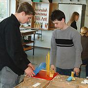 Kunstwerken maken voor project Wonen in Huizen Huizermaatschool Huizen