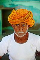 Inde, Rajasthan, village de Auwa dans les environs de Jodhpur, Budaram Gadshi, 60 ans// India, Rajasthan, Auwa village around Jodhpur, Budaram Gadshi, 60 old