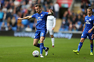 Joe Ralls of Cardiff city in action. EFL Skybet championship match, Cardiff city v Derby County at the Cardiff city stadium in Cardiff, South Wales on Saturday 30th September 2017.<br /> pic by Andrew Orchard, Andrew Orchard sports photography.