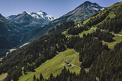 THEMENBILD - der höchste Berg Österreichs - der Großglockner (3798 m) mit der Strasse und der Berglandschaft. Die Hochalpenstrasse verbindet die beiden Bundeslaender Salzburg und Kaernten und ist als Erlebnisstrasse vorrangig von touristischer Bedeutung, aufgenommen am 07. Juli 2020 in Heiligenblut, Österreich // the highest mountain of Austria - the Großglockner (3798 m) with the road and the mountain landscape. The High Alpine Road connects the two provinces of Salzburg and Carinthia and is as an adventure road priority of tourist interest, Heiligenblut., Austria on 2020/07/07. EXPA Pictures © 2020, PhotoCredit: EXPA/ JFK