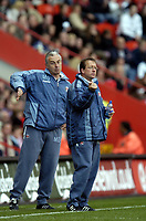 Photo: Olly Greenwood.<br />Charlton Athletic v Portsmouth. The Barclays Premiership. 17/04/2006. Charlton manager Alan Curbishley and Mervin Day