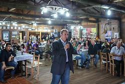 """O candidato a governador do Estado pela coligação """"O Rio Grande Merece Mais"""", Vieira da Cunha durante almoço no Parque do Chimarrão, em Venâncio Aires. FOTO: Jefferson Bernardes/ Agência Preview"""
