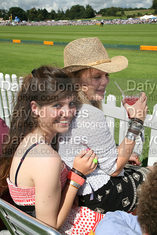 india Clevely and Iona Fraser, The Veuve Clicquot Gold Cup 2007. Cowdray Park, Midhurst. 22 July 2007.  -DO NOT ARCHIVE-© Copyright Photograph by Dafydd Jones. 248 Clapham Rd. London SW9 0PZ. Tel 0207 820 0771. www.dafjones.com.