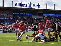 Rugby Union - 2018 / 2019 Gallagher Premiership - Play-Off Semi-Final: Saracens vs. Gloucester<br /> <br /> Saracens' Nick Tompkins scores his hat trick, at Allianz Park.<br /> <br /> COLORSPORT/ASHLEY WESTERN