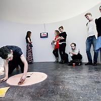Nederland, Amsterdam , 3 juli 2013.<br /> Eindexamenwerk op de Gerrit Rietveld Academie van Eamonn Harnett getiteld Walk in Performance.<br /> Foto:Jean-Pierre Jans