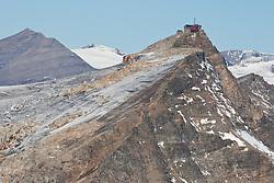 THEMENBILD - Sonnenaufgang am Sonnblick 3.106m, Auf dem steilen Gipfel befinden sich in 3.106 m Höhe ein meteorologisches Observatorium, das Sonnblickobservatorium, und eine alpine Schutzhütte, das Zittelhaus (auch Zittlhaus geschrieben). In einer Höhe von 2.718 m liegt die Rojacher Hütte und auf 2.175 m das Schutzhaus Neubau. Beide Hütten sind in den Sommermonaten bewirtschaftet. Aufgenommen am Mölltaler Gletscher in Flattach, Kärtnen Österreich am 05.10.2011 // Sunrise on the Sonnblick at Moelltaler glacier in Flattach, Carinthia, Austria on 5/10/2011. EXPA Pictures © 2011, PhotoCredit: EXPA/ J. Groder