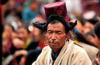 """Inde - Province du Jammu Cachemire -  Ladakh - Homme portant le chapeau traditionel le """"Tibi"""""""