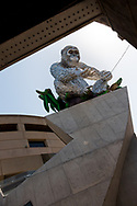 A large, silver inflatable Gorilla has appeared on Princes Bridge during the 35th day of zero COVID-19 cases in Victoria, Australia. School and community sport is ramping up and as the weather improves, more people are venturing out and about to enjoy this great city. Pressure is mounting on Premier Daniel Andrews to keep his promise of removing all remaining restrictions. (Photo by Dave Hewison/Speed Media)