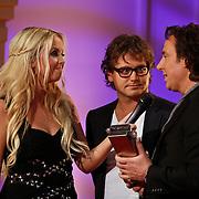 NLD/Hilversum/20101216 - Uitreiking Sterren.nl Awards, Monique Smit met Guus Meeuwis en Marco Borsato