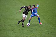 Fussball: 2. Bundesliga, FC St. Pauli - Holstein Kiel, Hamburg, 09.01.2021<br /> Daniel-Kofi Kyereh (Pauli, l.) - Jonas Meffert (Kiel)<br /> © Torsten Helmke