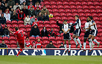 Photo: Andrew Unwin.<br />Middlesbrough v Tottenham Hotspur. The Barclays Premiership. 18/12/2005.<br />Middlesbrough's Franck Queudrue (L) curls his free-kick round the wall but over the goal.