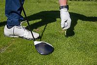 AMSTERDAM - Opteeen, driver, tee, bal, golfbal,  Golf, regels,    COPYRIGHT KOEN SUYK