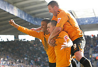 Photo: Steve Bond/Richard Lane Photography. <br />Leicester City v Hull City. Coca Cola Championship. 21/03/2008. Scorer Dean Marney (C) celebrates with Fraizer Campbell (L) and Dean Windass (R)