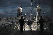 Paris in a mirror PR617A Paris matiere a reflexion