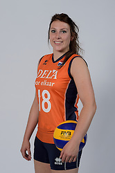 21-05-2014 NED: Selectie Nederlands volleybal team vrouwen, Arnhem<br /> Op Papendal werd het Nederlands team volleybal seizoen 2014-2015 gepresenteerd / Lynn Thijssen