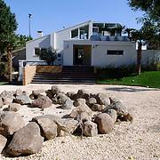 NLD/Eemnes/20060921 - Perspresentatie de Gouden Kooi, villa, ingang