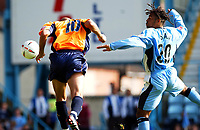 Fotball<br /> Foto: SBI/Digitalsport<br /> NORWAY ONLY<br /> <br /> Coca-Cola Championship.<br /> Coventry City V Millwall 21/08/2004<br /> <br /> Coventry City's Richard Shaw is beaten to the ball by Millwall's Danny Dichio to score