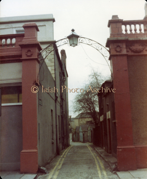 Old Dublin Amature Photos December 1983 WITH, Westland Row, Lincoln Place, Merrion Hall, Prices medicine hall, Fenian St, Old Dublin Amature Photos April 1983 WITH, Canal Locke's, Ringsend, Cottage, Hailing Station, Misery Hill, Lime St, Hanover St, east, Cardiff Lane, Britain Quay, Old amateur photos of Dublin streets churches, cars, lanes, roads, shops schools, hospitals