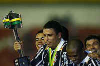 20090701: PORTO ALEGRE, BRAZIL - Internacional vs Corinthians: Brazilian Cup 2009 - Final - 2nd Leg. In picture: Ronaldo (Corinthians) celebrating with the trophy. PHOTO: CITYFILES