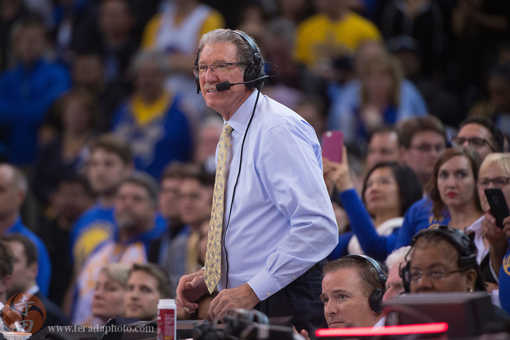 November 17, 2015; Oakland, CA, USA; Golden State Warriors television broadcaster Jim Barnett during the fourth quarter against the Toronto Raptors at Oracle Arena. The Warriors defeated the Raptors 115-110.