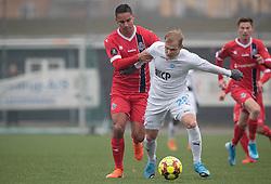 Christopher Cortez (FC Helsingør) og Philip Rejnhold Olsen (FC Roskilde) under træningskampen mellem FC Roskilde og FC Helsingør den 15. februar 2020 i Roskilde Idrætspark (Foto: Claus Birch).