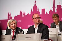 DEU, Deutschland, Germany, Berlin, 27.10.2012:<br />Landesparteitag der Berliner SPD im Berliner Congress Center (BCC) am Alexanderplatz. Hier Klaus Wowereit (L), Regierender Bürgermeister von Berlin, und Jan Stöß (R), Vorsitzender des SPD-Landesverbandes Berlin.
