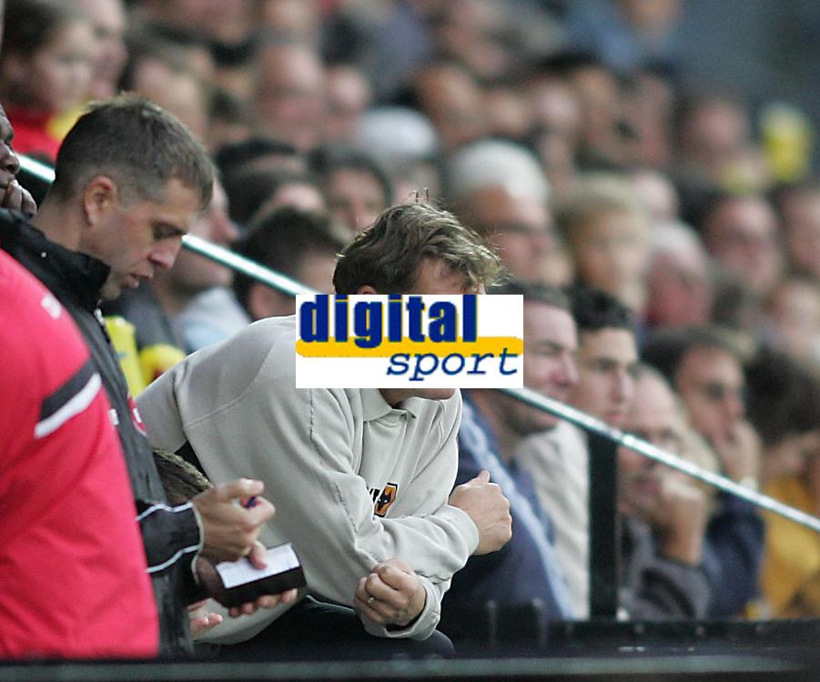 Photo: Lee Earle.<br /> Watford v Wolverhampton Wanderers. Coca Cola Championship. 29/10/2005. Wolves manager Glenn Hoddle.
